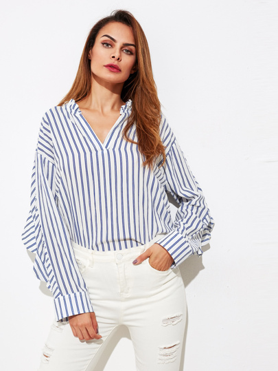 Blusa de rayas verticales con cuello en V