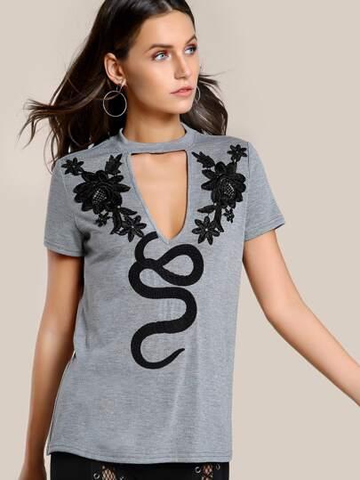 T-Shirt mit Blumen Stickereien und Halsband
