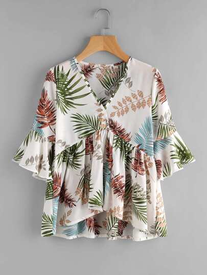Модная асимметричная блуза с принтом и оборкой