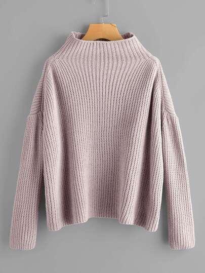 Pullover mit Trichterhals und sehr tief angesetzter Schulterpartie