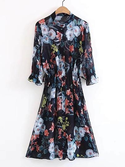Vestido de volante con estampado floral con detalle de cordones