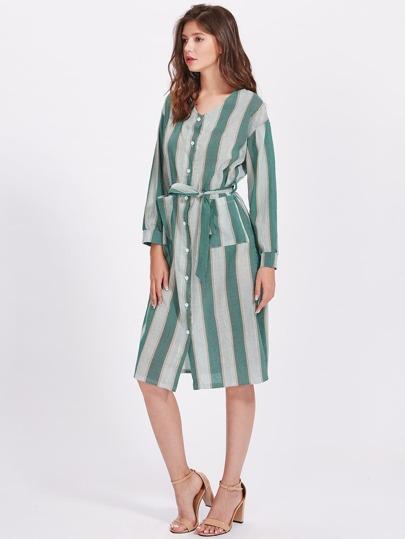 Robe à rayures avec un lacet