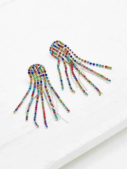 Boucles d\'oreille de chaîne avec des franges et strass
