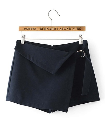 Short en estilo falda con cintura plegada con hebilla