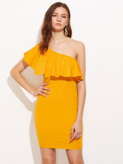 Модное платье на одно плечо с оборкой