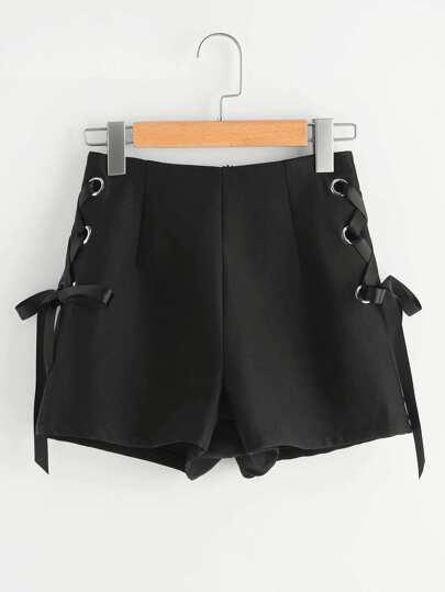 Shorts con cordones y espalda con cremallera