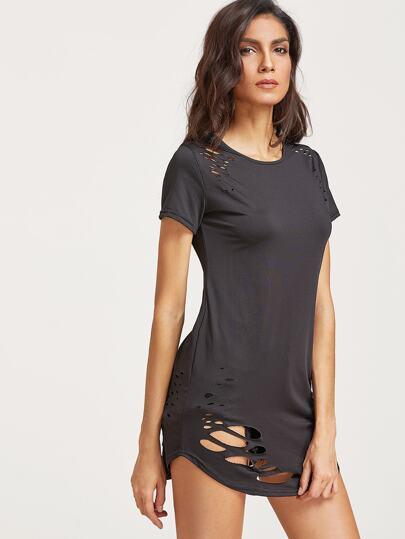 Schwarzes zerrissenes T-Shirt mit Rissen