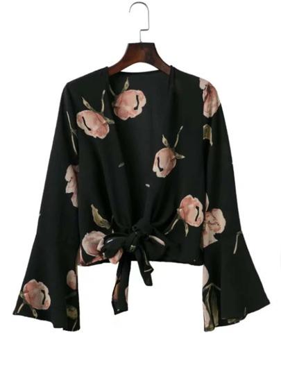 Bluse mit Glockärmeln und Knoten vorn