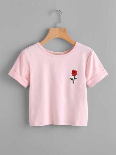 T-Shirt mit Rose Stickerei und gerollten Ärmeln