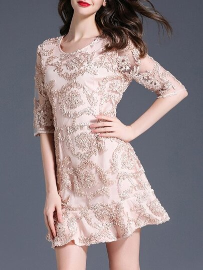 Disc Flowers Ruffle Dress