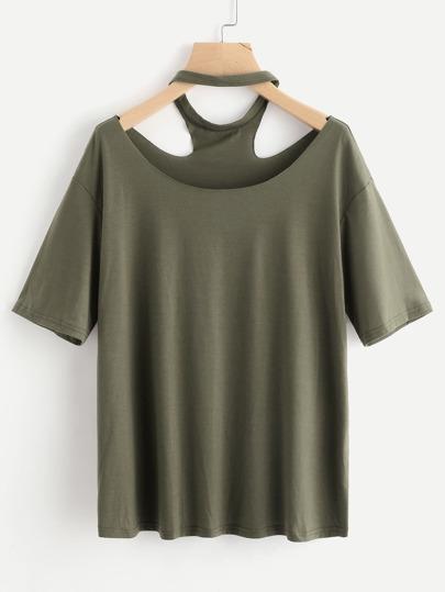 T-Shirt mit sehr tief angesetzter Schulteraprtie und Halsband