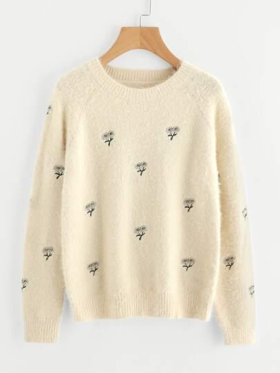 Raglan Sleeve Daisy Embroidered Fluffy Jumper