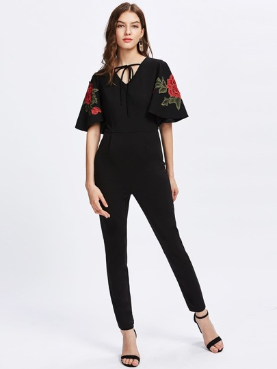 Jumpsuit mit Rose Stickereien, Applikation und Flatterndehülse