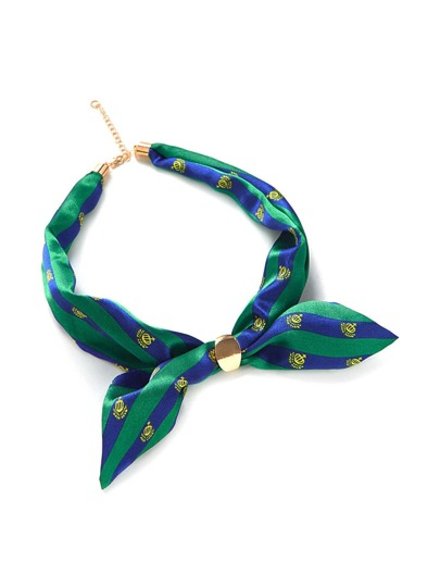 Pañuelo de satén de rayas con cadena
