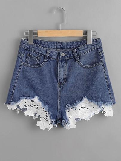 Pantaloncini di jeans con applique in pizzo
