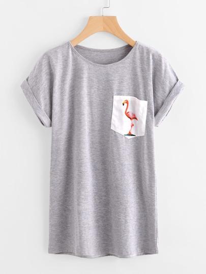 Camiseta con estampado y bolsillo
