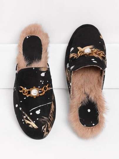 Sandales à fond plat détail de perle fausse avec cuir faux