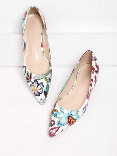 Flower Pattern Pointed Toe Flats