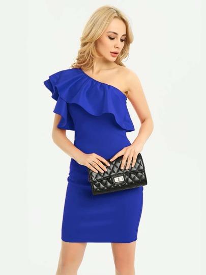 Kleid mit Oblique Schultern und Falten