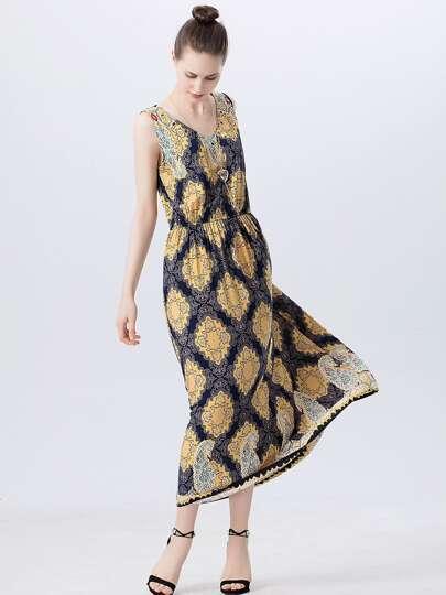 V Neckline Grommet Detail Ornate Print Dress With Necklace