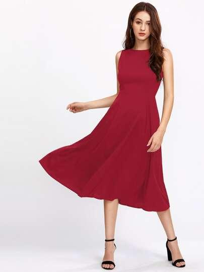 Kleid mit Reißverschluss hinten