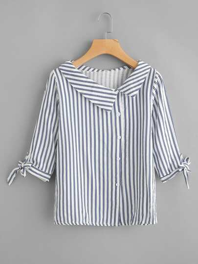 Blusa de rayas verticales con cordón en el puño