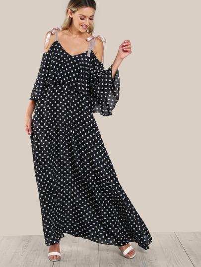 Robe imprimé pois de polka avec deux étages avec manche avec lacet