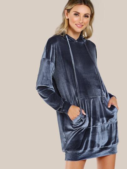 Vestido de capucha con hombro caído y bolsillo en la parte delantera