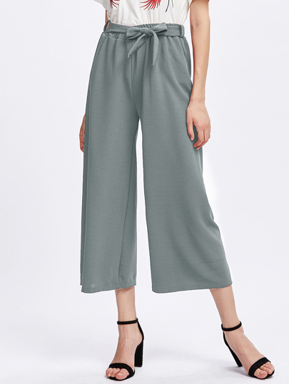 Pantalons-culotte avec une ceinture