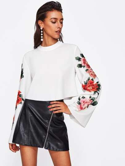 Sweat-shirt avec manche trompe avec pièce de fleur