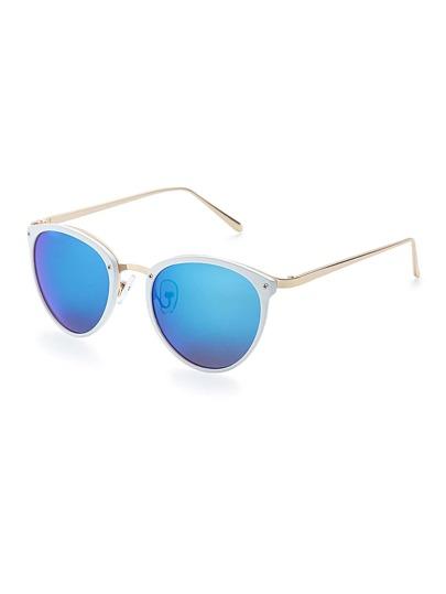 Gafas de sol con montura fina y lente flash