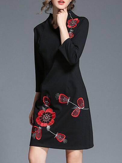 U Neck Flowers Embroidered Dress