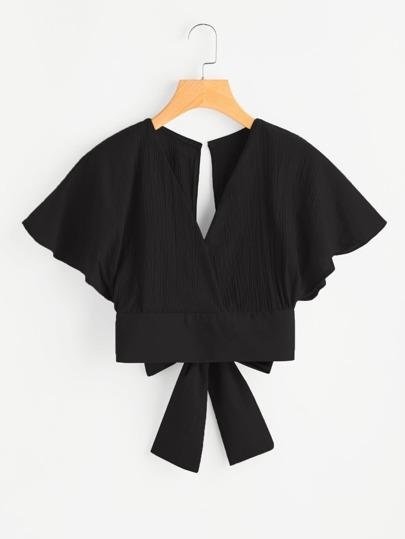 Blusa con cuello en V pronunciado con abertura en la parte trasera y lazo