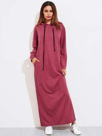Robe à capuche en tricot avec des poches disimulées