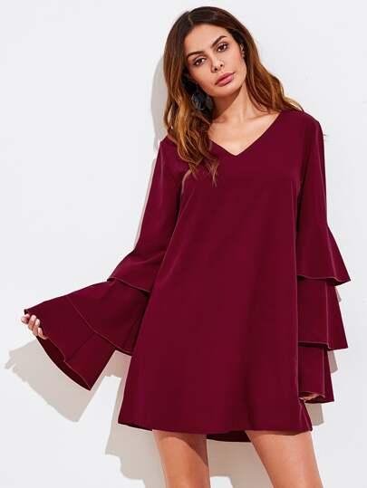 Kleid mit V-Ausschnitt ud Flötehülse