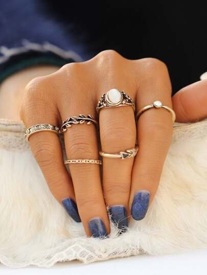 Gold Leaf Shaped Ring Set