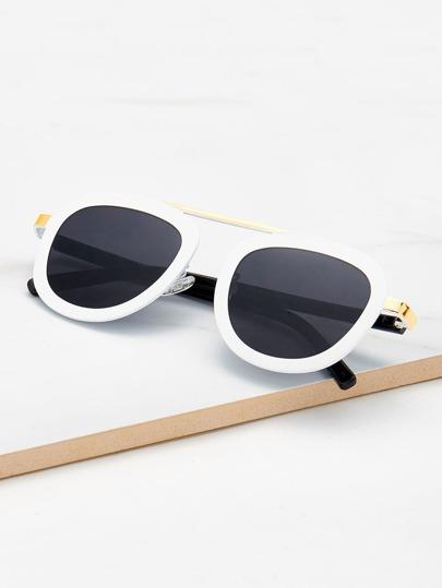 Gafas de sol con barra superior metálica