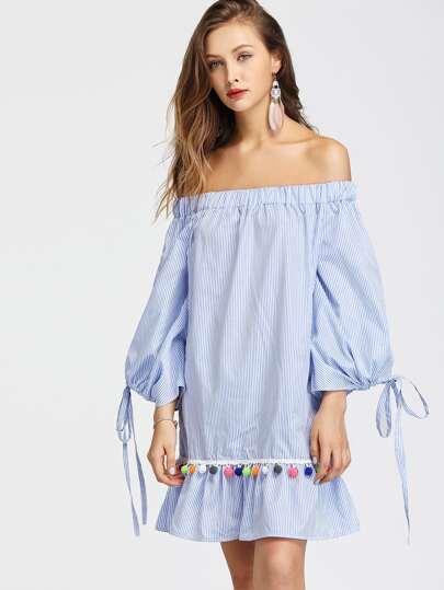 Vestido de rayas verticales de hombro al aire con detalle de cordón con pompones