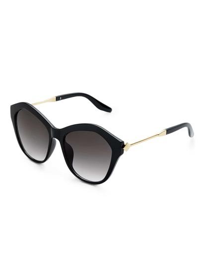 Chunky Frame Flat Lens Sunglasses