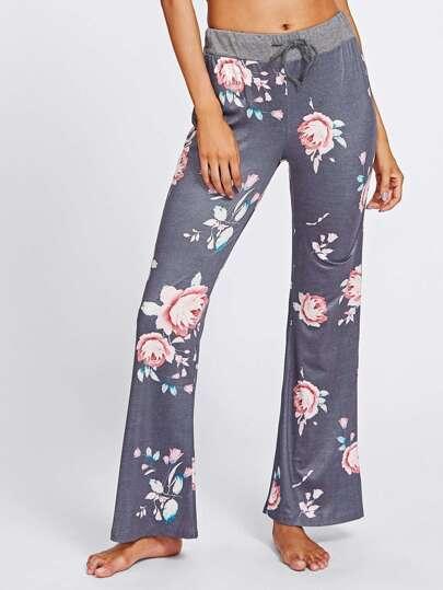 Pantalones con estampado floral al azar y cordón