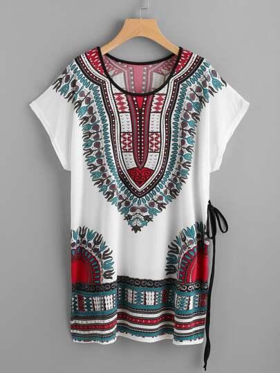 T-Shirt Kleid mit Vintagemuster, Dolmanärmeln und Band Detail