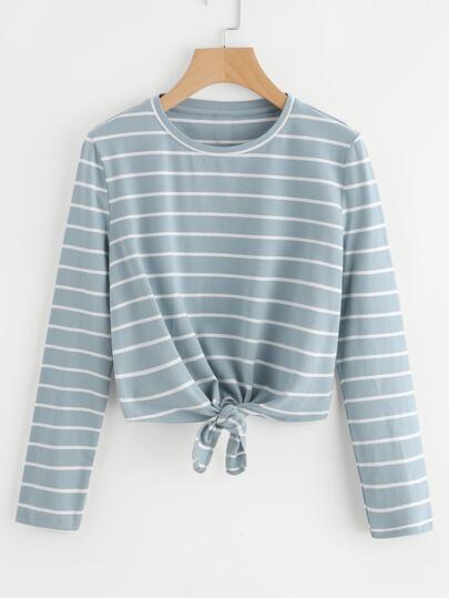 Camiseta de rayas con nudo en la parte delantera