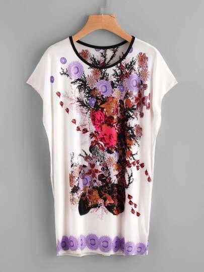 Camiseta larga con estampado floral de manga murciélago