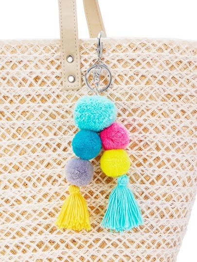 Porte-clés avec des pompons et des franges