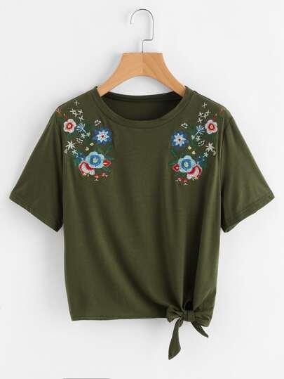 T-Shirt mit symmetrischen Blumen Stickereien und Knoten
