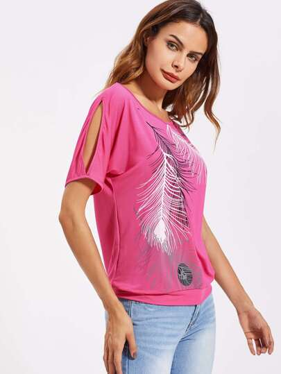 Tee-shirt épaule fendue imprimé des plumes