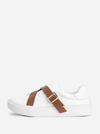 Zapatos planas con hebilla en contraste