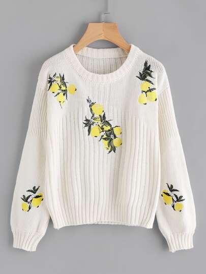 Pull brodé en tricot