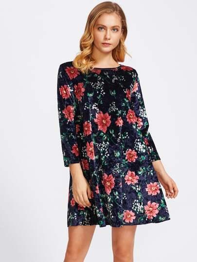 Vestido de terciopelo con estampado botánico