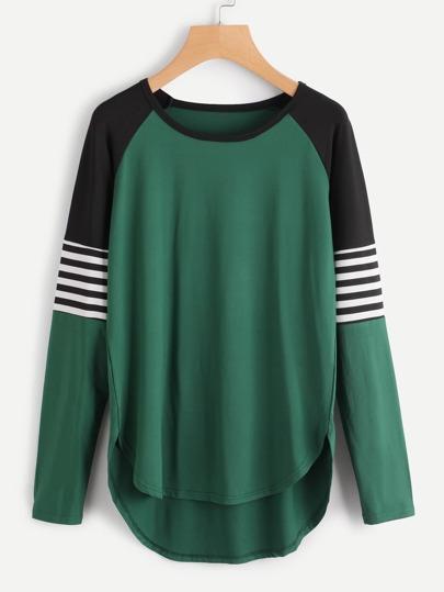 T-Shirt mit Raglan Ärmeln,Streifen und abfallendem Saum